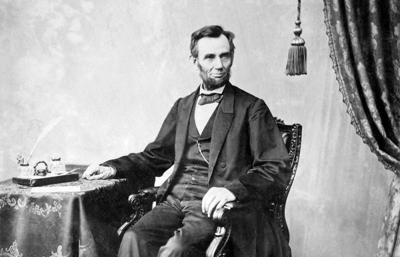 Abraham-Lincoln-2-800x514