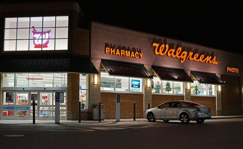1024px-Walgreens_store-800x490