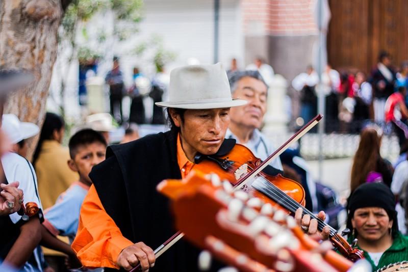 Street-Musician-800x534